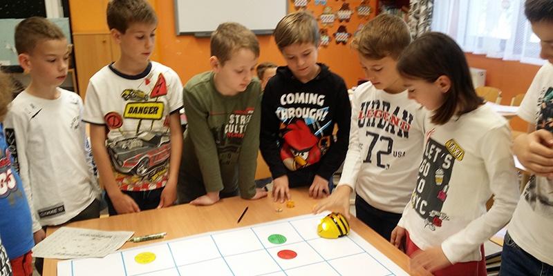 Programozás és robotika alapjai a 3.a osztályba...